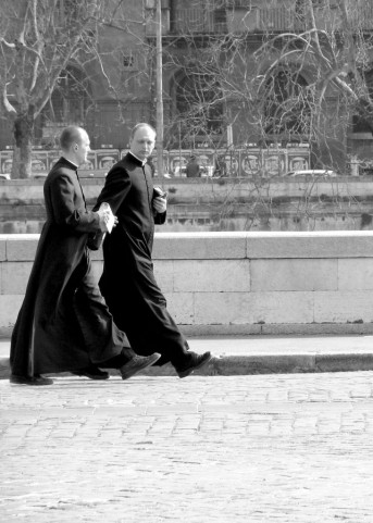 642px-Priests_rome